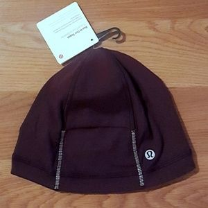 NWT Lululemon Run It Out Toque in Black Cherry